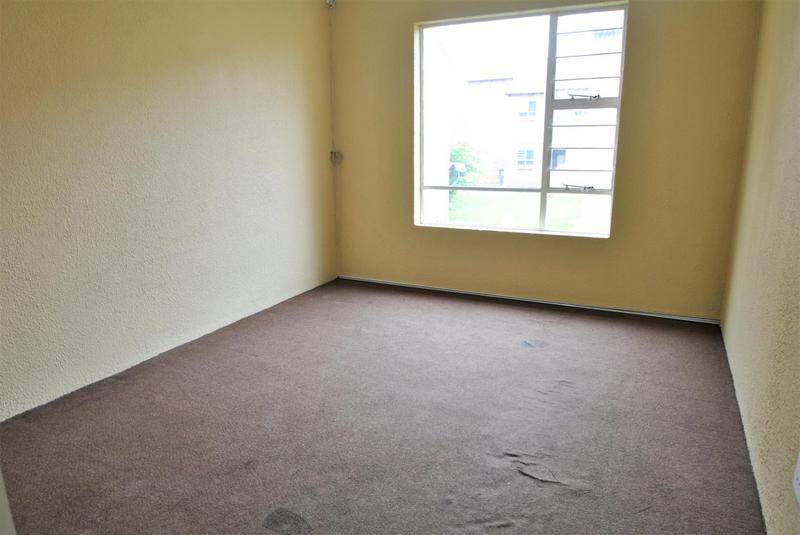 Property For Sale in Liefde En Vrede, Johannesburg 9