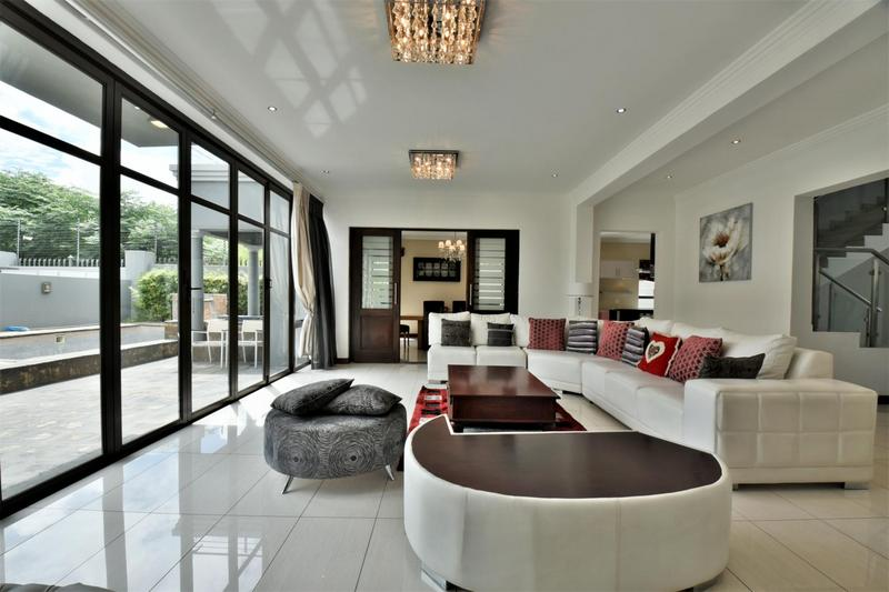 Property For Sale in Woodmead, Sandton 11
