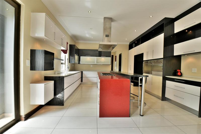 Property For Sale in Woodmead, Sandton 4