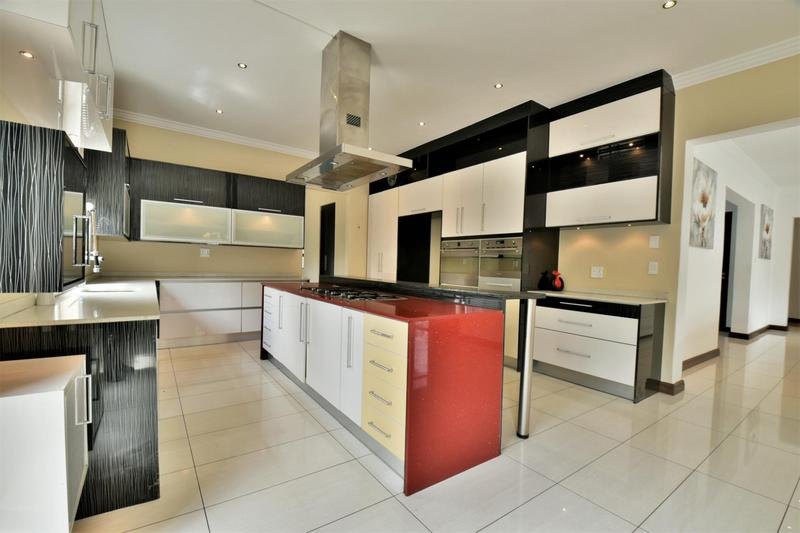 Property For Sale in Woodmead, Sandton 5