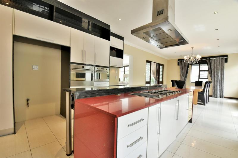 Property For Sale in Woodmead, Sandton 8
