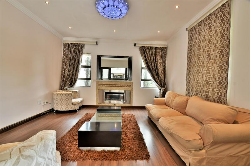 Property For Sale in Woodmead, Sandton 12
