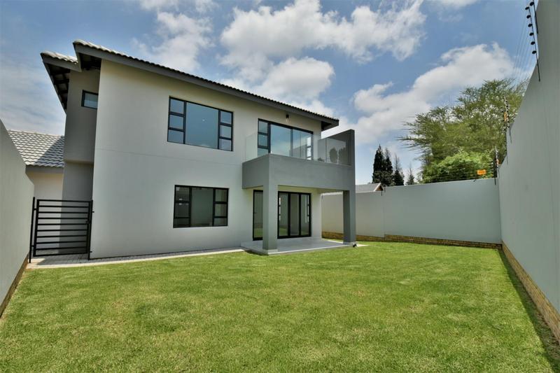 Property For Sale in Bedfordview, Bedfordview 22