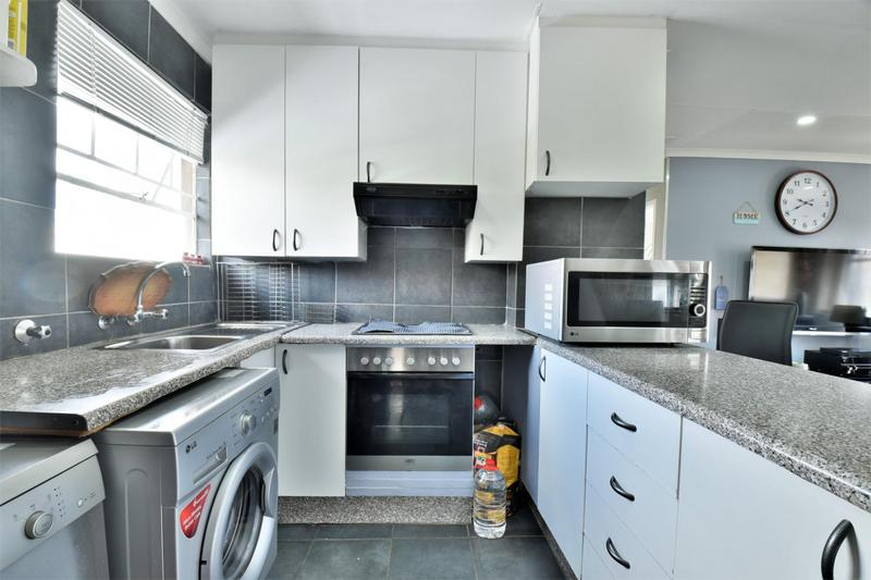 Property For Sale in Verwoerdpark, Alberton 2
