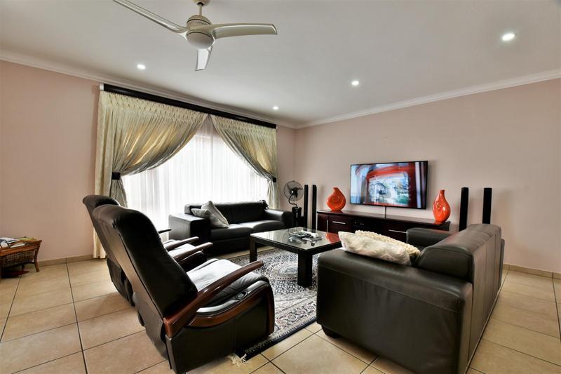 Property For Sale in Mulbarton, Johannesburg 8