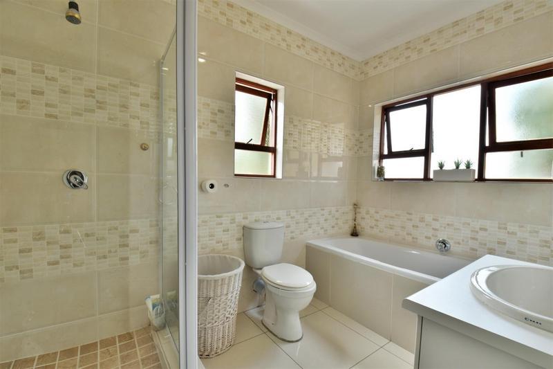 Property For Sale in Mulbarton, Johannesburg 10