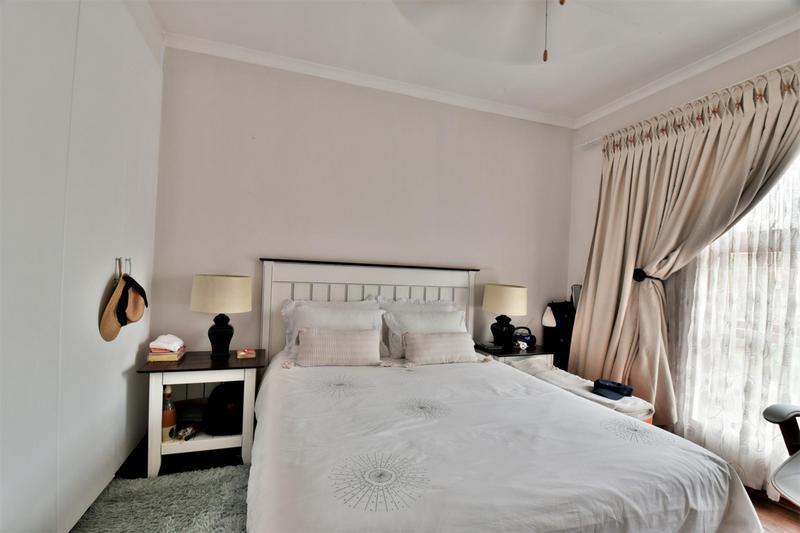 Property For Sale in Mulbarton, Johannesburg 13