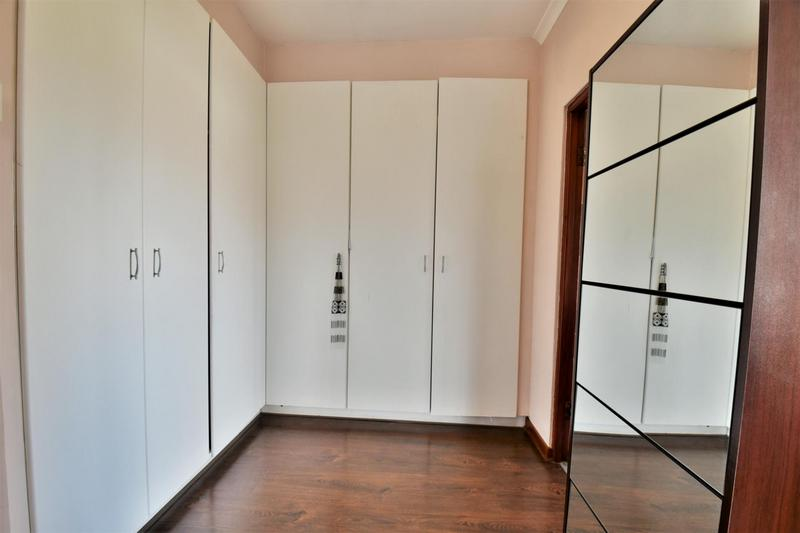 Property For Sale in Mulbarton, Johannesburg 14