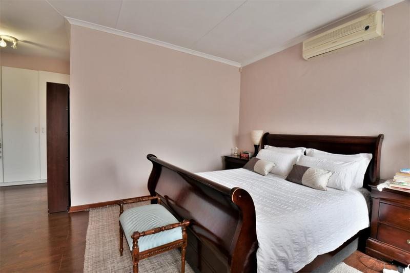 Property For Sale in Mulbarton, Johannesburg 16