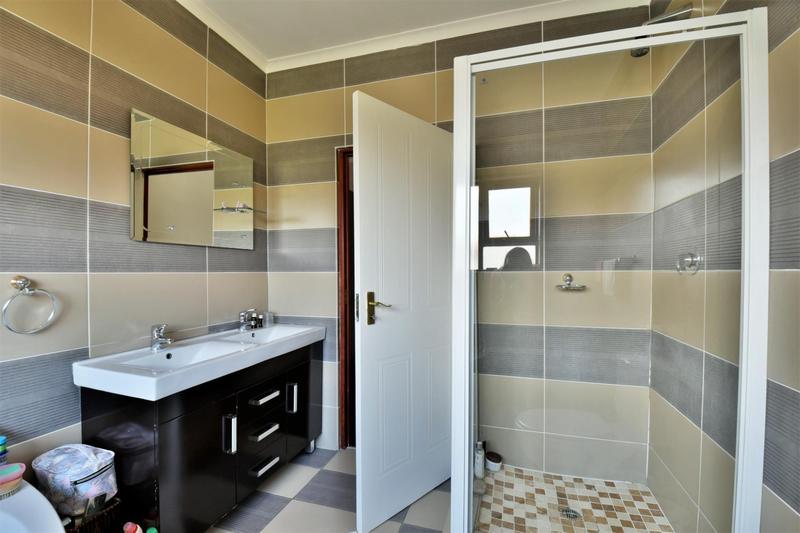 Property For Sale in Mulbarton, Johannesburg 18