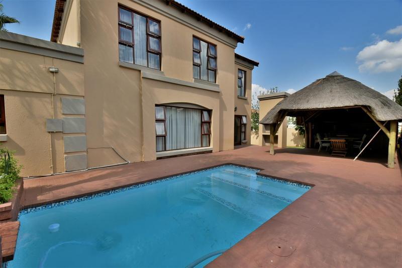 Property For Sale in Mulbarton, Johannesburg 21