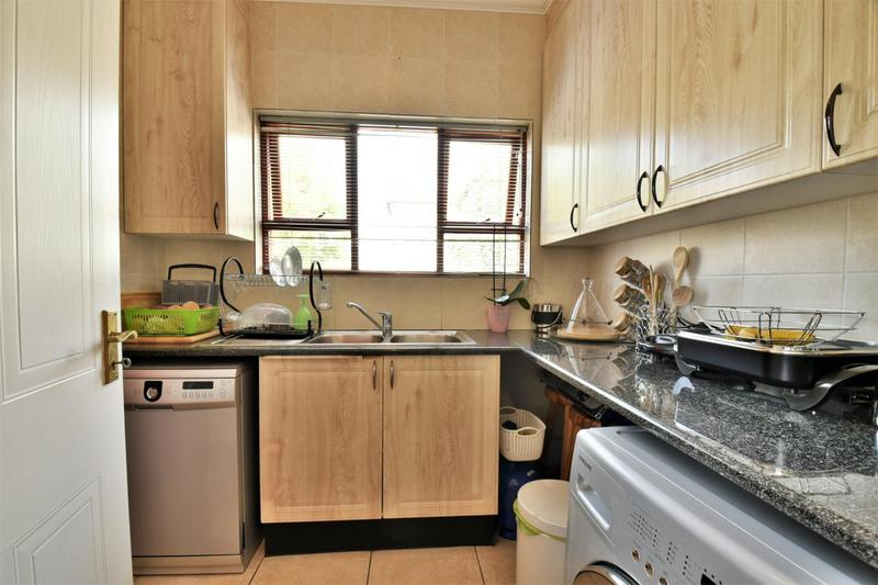 Property For Sale in Mulbarton, Johannesburg 4