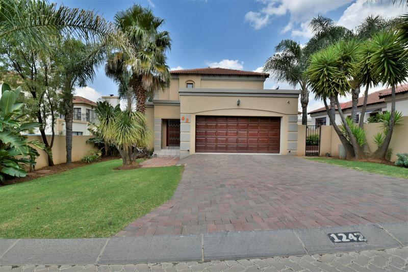 Property For Sale in Mulbarton, Johannesburg 23