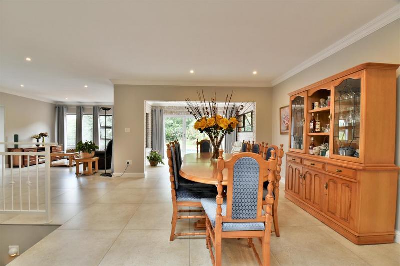 Property For Sale in Glenvista, Johannesburg 9