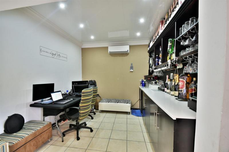 Property For Sale in Ridgeway, Johannesburg 3