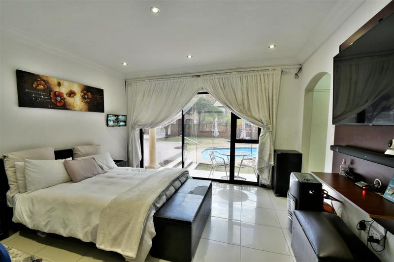 Property For Sale in Ridgeway, Johannesburg 14