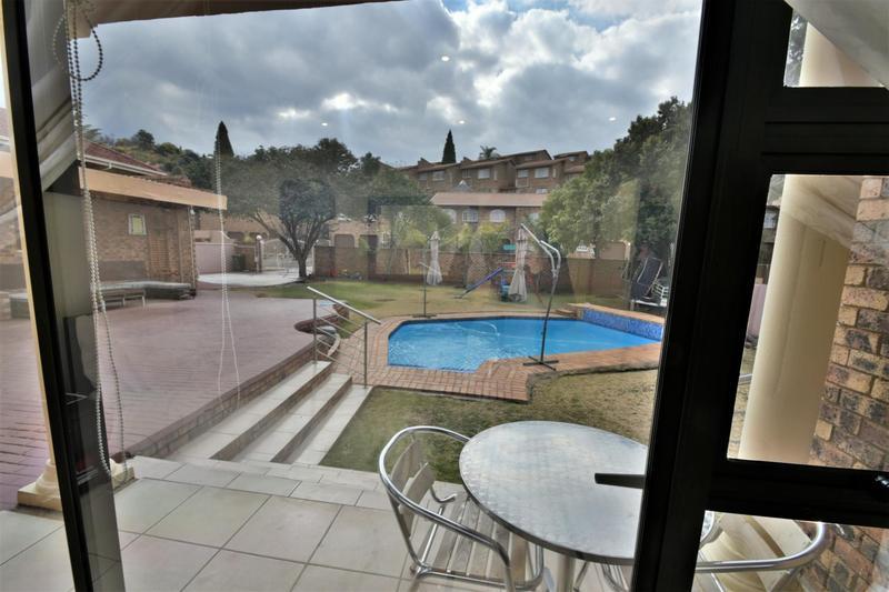 Property For Sale in Ridgeway, Johannesburg 16