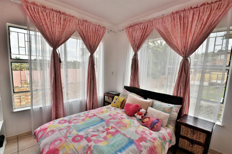 Property For Sale in Ridgeway, Johannesburg 22