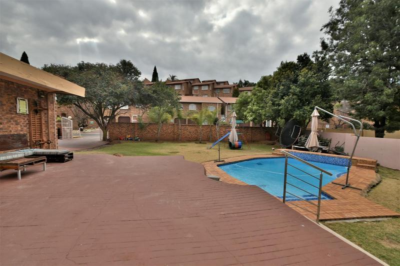 Property For Sale in Ridgeway, Johannesburg 23