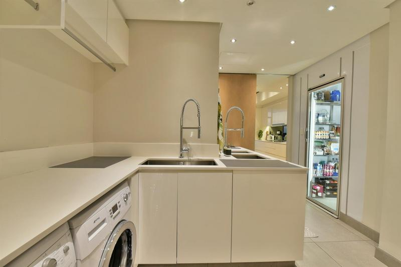 Property For Sale in Sandhurst, Sandton 12