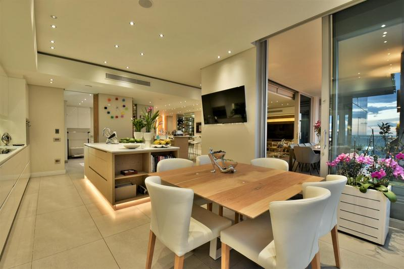 Property For Sale in Sandhurst, Sandton 13