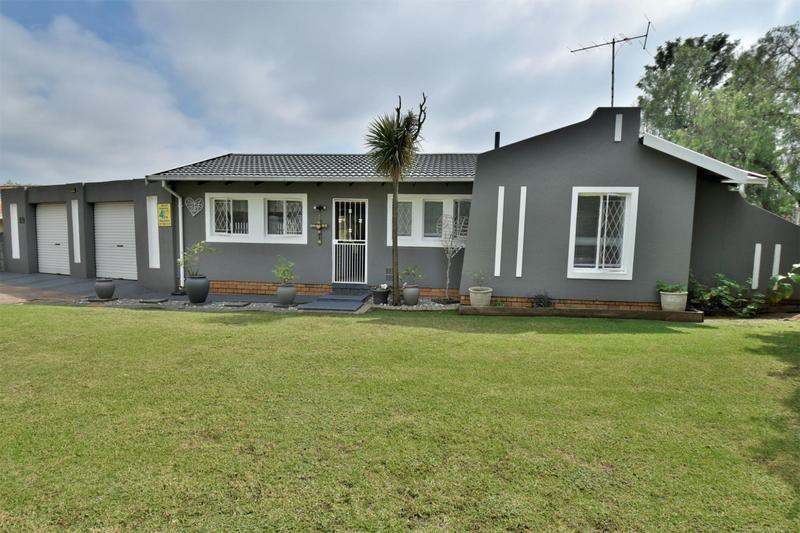Property For Sale in Albertsdal, Alberton 3