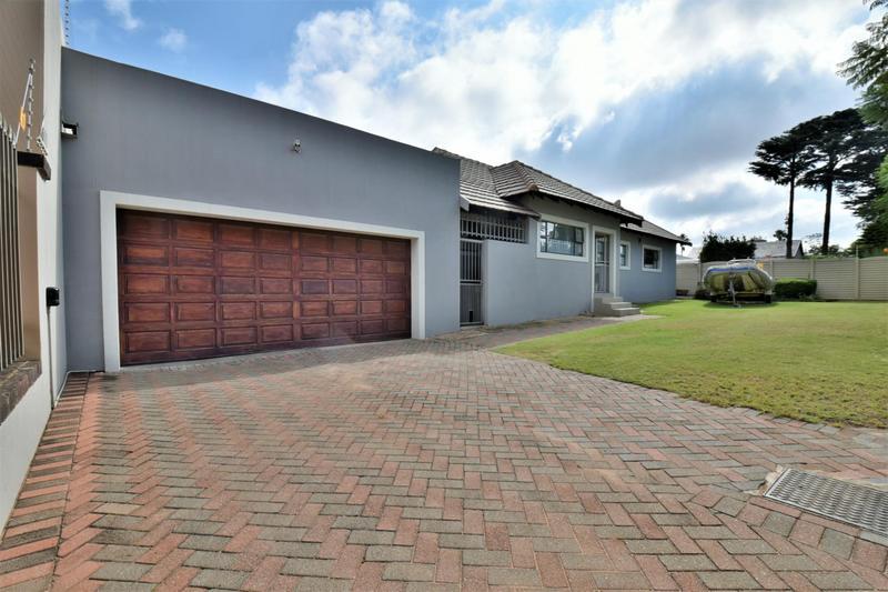 Property For Sale in Sunnyridge, Germiston 3