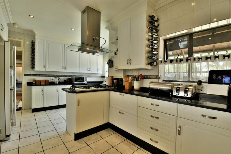 Property For Sale in Sunnyridge, Germiston 8