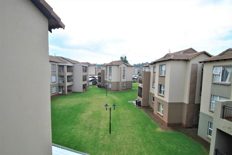 Property For Sale in Meredale, Johannesburg 13