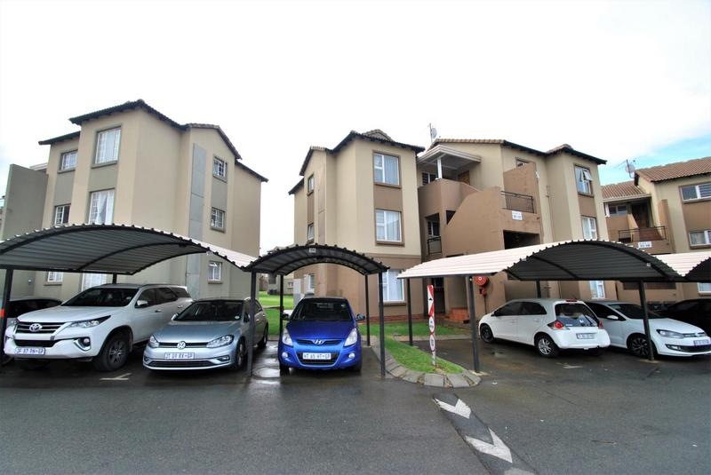 Property For Sale in Meredale, Johannesburg 17