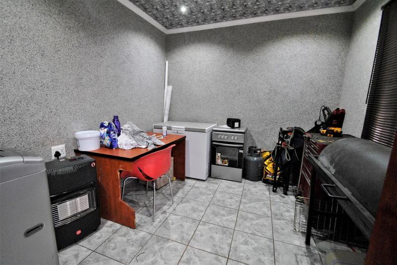 Property For Sale in Dawn Park, Boksburg 13