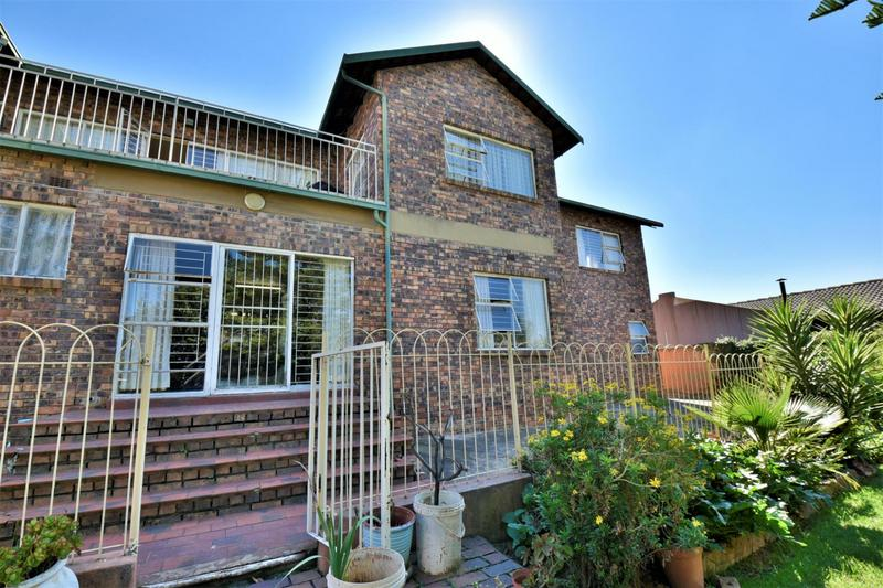 Property For Sale in Oakdene, Johannesburg 29