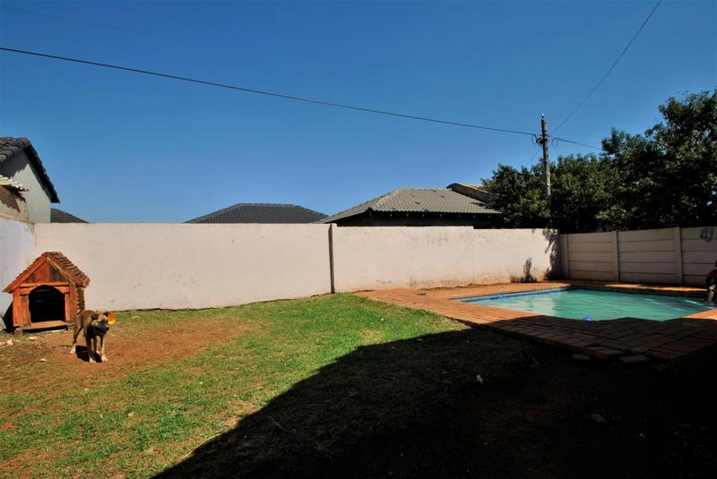 Property For Sale in Lawley, Johannesburg 9