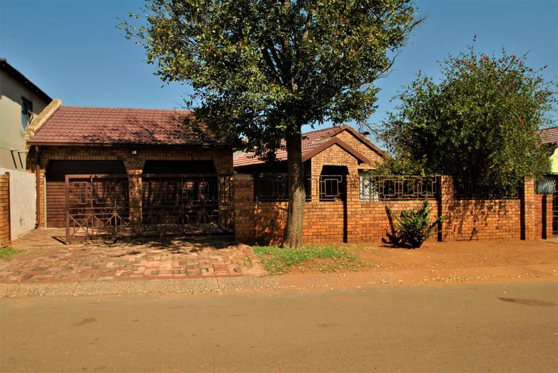 Property For Sale in Lawley, Johannesburg 1