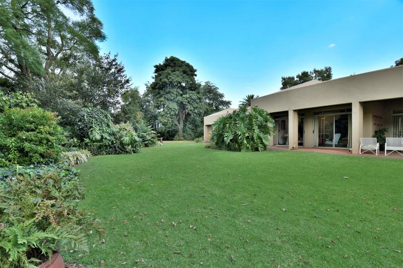 Property For Sale in Parktown, Johannesburg 11