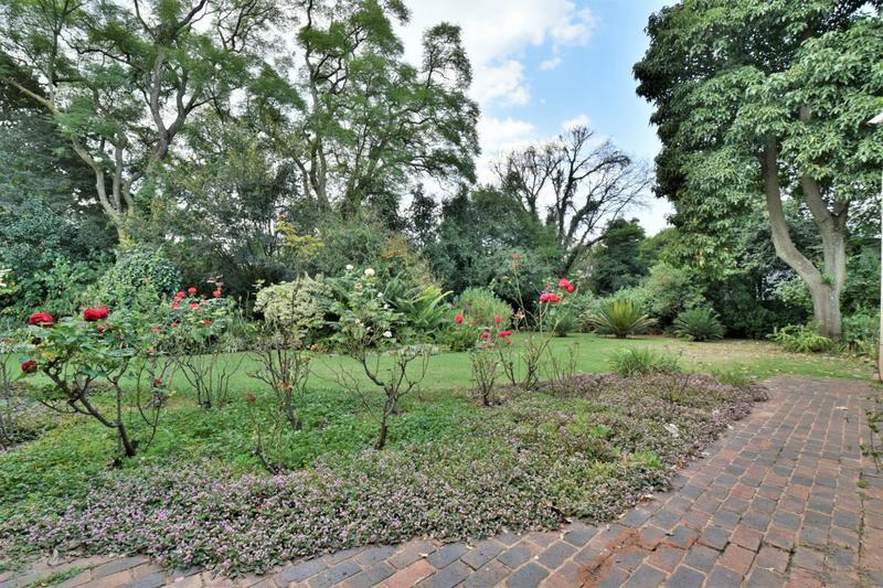 Property For Sale in Parktown, Johannesburg 14