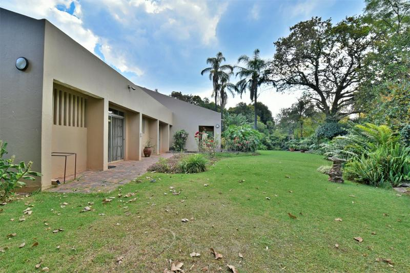 Property For Sale in Parktown, Johannesburg 17