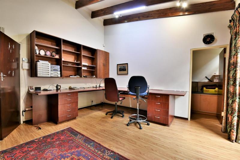 Property For Sale in Parktown, Johannesburg 21