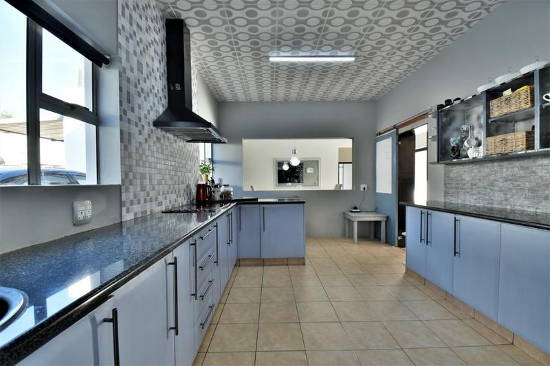 Property For Sale in Glenvista, Johannesburg 23