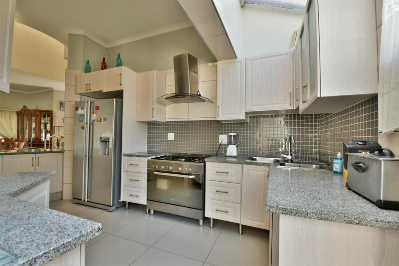 Property For Sale in Bassonia, Johannesburg 3