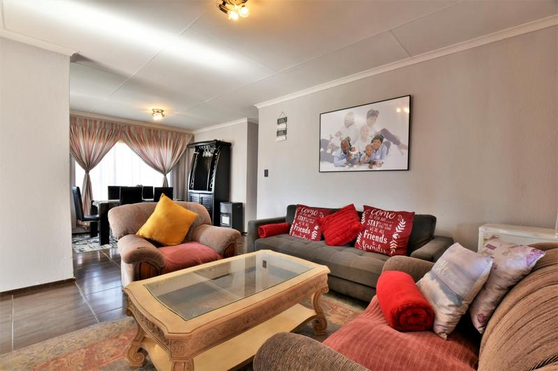 Property For Sale in Roseacre, Johannesburg 6