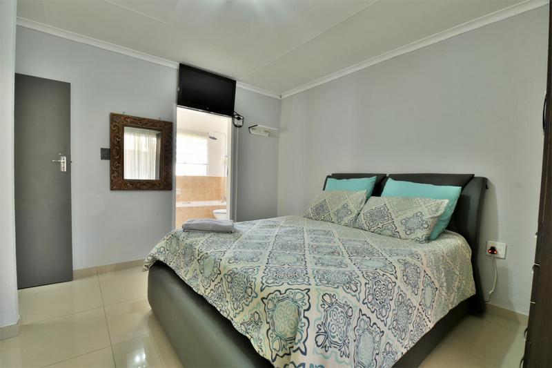 Property For Sale in Roseacre, Johannesburg 16