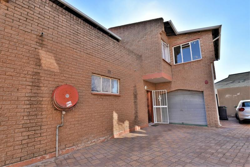 Property For Sale in Forest Hill, Johannesburg 18