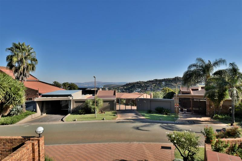 Property For Sale in Bassonia, Johannesburg 23