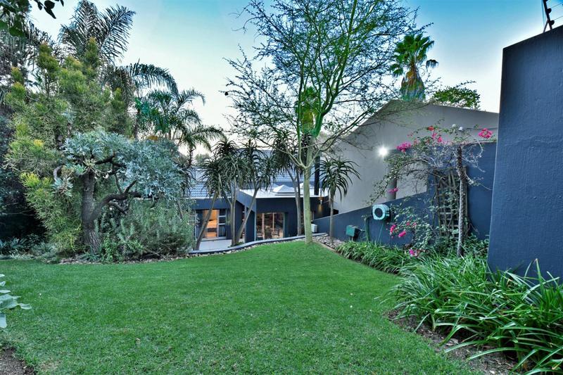 Property For Sale in Glenvista, Johannesburg 30