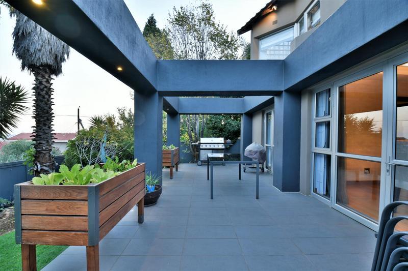 Property For Sale in Glenvista, Johannesburg 38