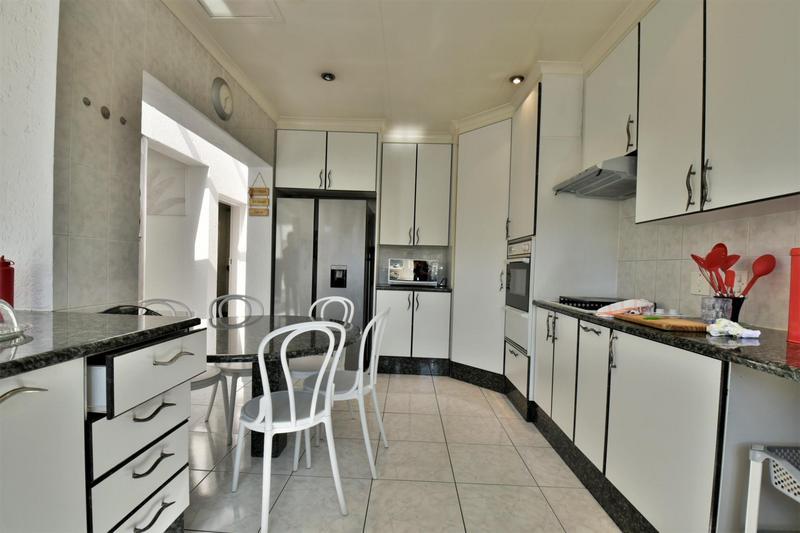 Property For Sale in Oakdene, Johannesburg 5