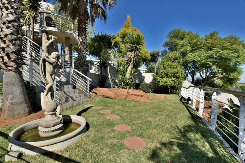 Property For Sale in Oakdene, Johannesburg 20