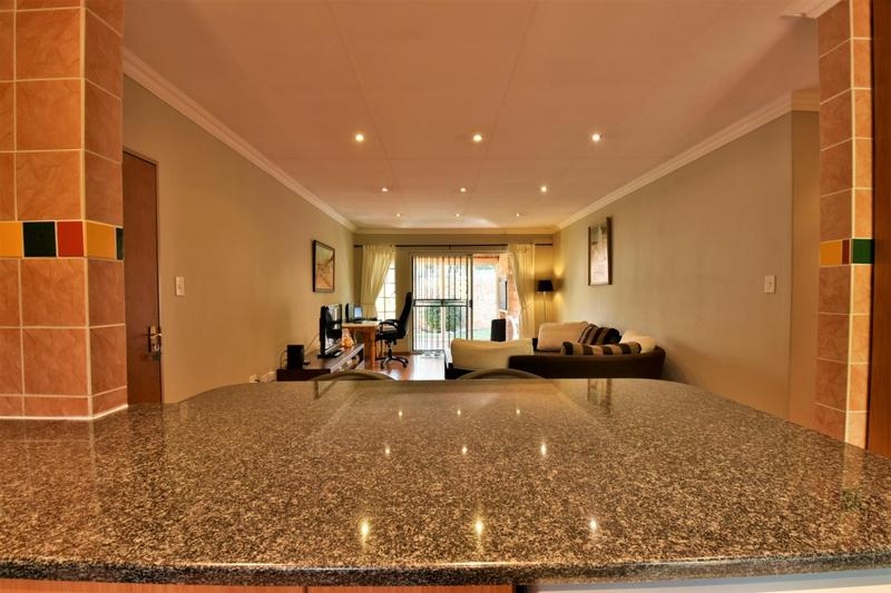 Property For Sale in Craigavon, Sandton 5