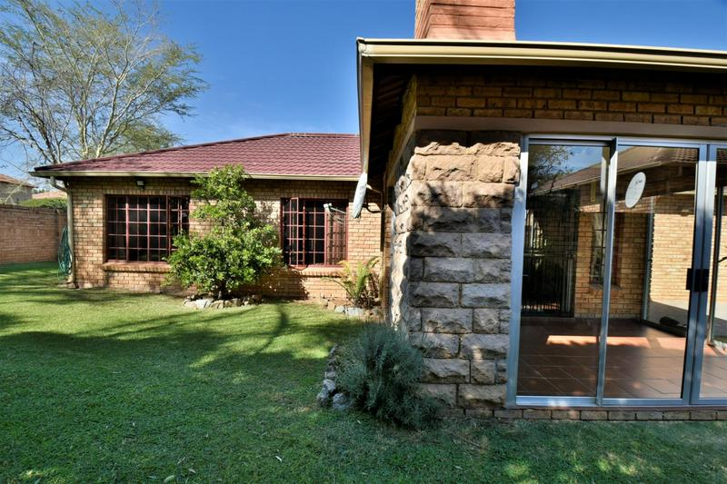 Property For Sale in Craigavon, Sandton 11